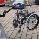 Kofferraumlift Brig Ayd hebt Rollstühle und Elektroscooter